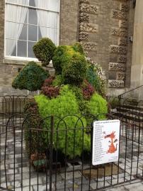 Ein Drache aus Pflanzen, made my day! - Salisbury