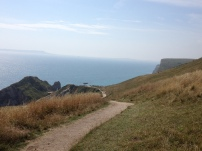 Auf dem Felsen da unten wurde ein bisschen für Fluch der Karibik gedreht! - Lulworth Cove